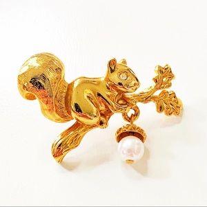 Avon Gold Tone Squirrel Dangling Acorn Pin